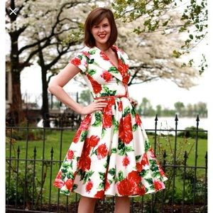 Pinup Couture Roses Dress Size M
